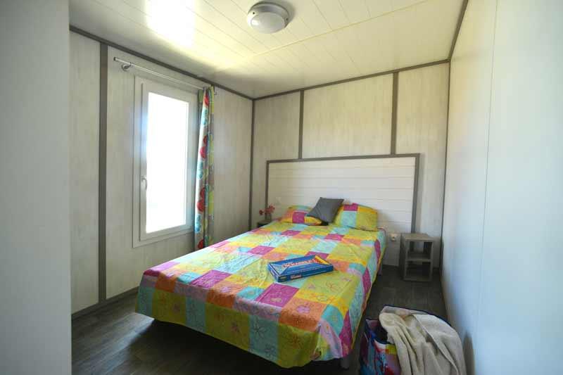 cottage-kitecamp-martinique-kitesurf-chambre-double-parent-location-vacances-spot-pointe-faula