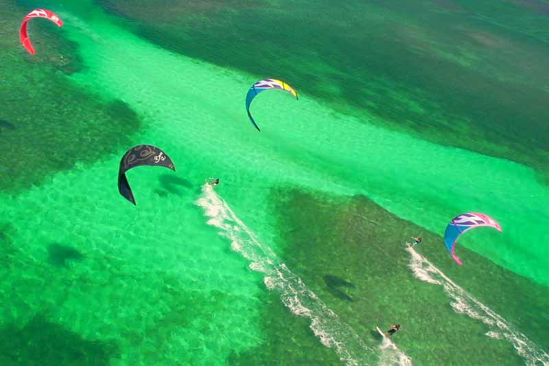 kitecamp-martinique-kitesurf-zone-flat-eau-peu-profonde-conditions-optimales
