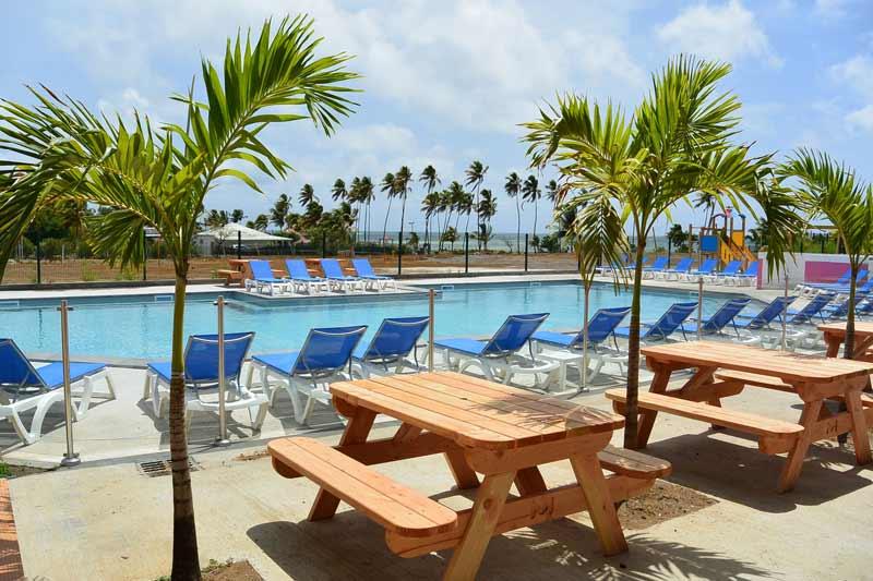 piscine-detente-terrasse-kitesurf-location-vacances-martinique-voyage-kitecamp-martinique